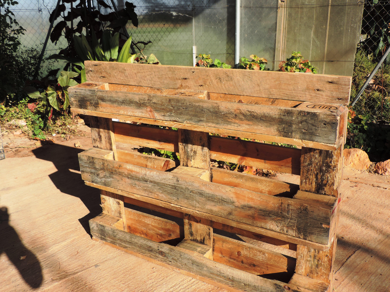 Construyendo el palet de hierbas arom ticas in mensa - Maceteros de obra ...